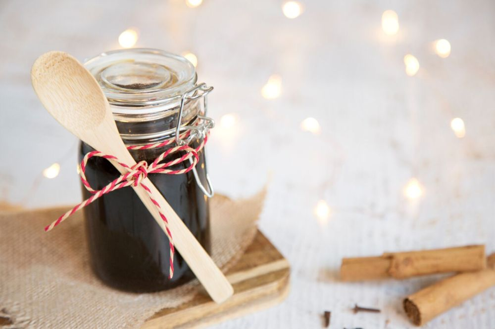 Christmas spice syrup, a dietitian and a photographer_preview