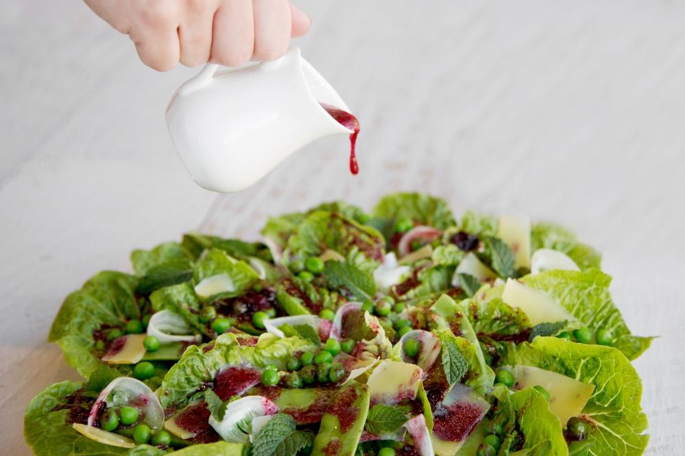 Lettuce and pea salad