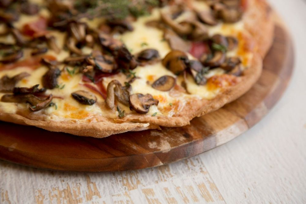 Mushroom and Creme Fraiche Pizza_preview